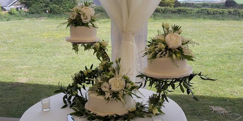 Beautiful Floral Wedding Cake Display