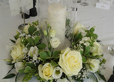Wedding Table Flowers by Bruallen